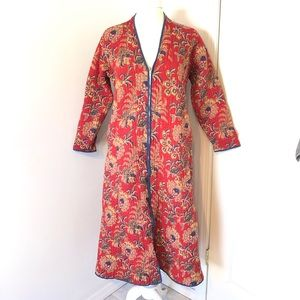 Vintage quilted housecoat/robe